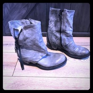 AS98 leather gray boots